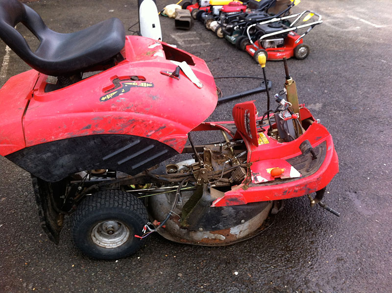 Kubota Lawn Tractor >> Hertfordshire Ride-on Tractor and Husqvarna Rider Servicing   Willows Workshop   Landscape ...